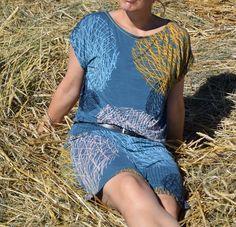 Sommerkleid an Stroh....
