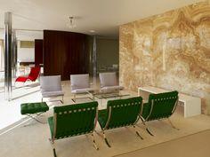 Foi completada recentemente a restauração da Casa Tugendhat, de autoria do arquiteto Mies Van der Rohe . Construída em Brno...