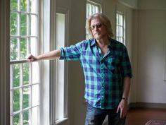 Daryl Hall's Other Calling: Restoring Historic Homes Watch Diy, Daryl Hall, Nicole Curtis, Brick Flooring, Candle Stand, Diy Network, Creative Thinking, New Shows, Historic Homes