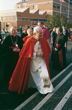 Visita de Juan Pablo II al ELIS (Roma)   Flickr - Photo Sharing!