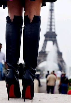 <3 I could cry, wearing Christian Louboutins in Paris.