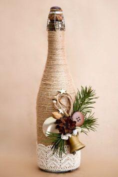 25 Best DIY Wine Bottle Christmas Decorations, Gifts, Crafts and More - Ethinify Wine Bottle Art, Diy Bottle, Wine Bottle Crafts, Jar Crafts, Twine Wine Bottles, Wrapped Wine Bottles, Bottle Labels, Beer Bottle, Vodka Bottle