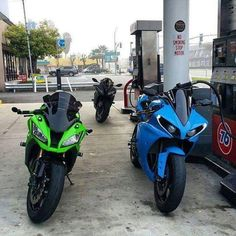 ZX10R OR R1? #R1#YAMAHA#ZX10R#KAWASAKI#chairellbikes4life