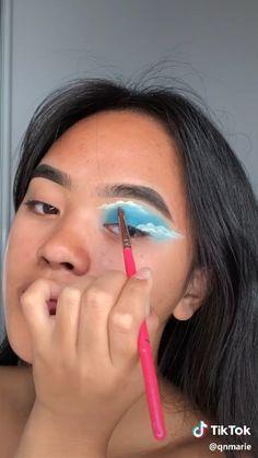 morenas paso a paso video butterfly 🦋 full face Edgy Makeup, Makeup Eye Looks, Eye Makeup Steps, Eye Makeup Art, Crazy Makeup, Cute Makeup, Pretty Makeup, Skin Makeup, Eyeshadow Makeup