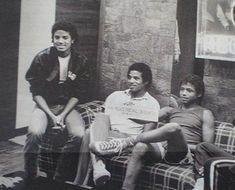 Michael Jackson with Jackie and Randy Jackie Jackson, The Jackson Five, Randy Jackson, Michael Jackson Rare, Jackson Family, You Are The Sun, The Jacksons, Rare Photos, Vintage Photos