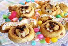 cute idea for the kiddos on Easter morning- bunny shaped cinnamon rolls