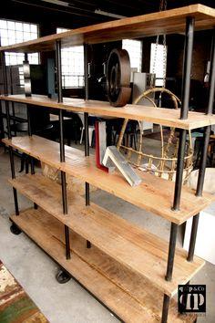Open industriële kast met mango hout en ijzer