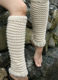 free Lily Legwarmers pattern o Crochet Leg Warmers, Crochet Socks, Knitting Socks, Baby Knitting, Knit Crochet, Crochet Cardigan, Crochet Baby, Free Crochet, Free Aran Knitting Patterns