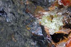 Petterdite.Colour:Lilac.Type Locality:Red Lead Mine, Dundas mineral field, Zeehan district, Tasmania, Australia.