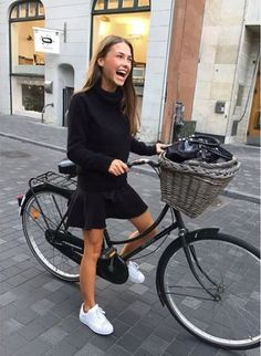 64 ideas travel style outfits sweaters for 2019 – travel outfit Style Outfits, Preppy Outfits, Mode Outfits, Skirt Outfits, Fashion Outfits, Airport Outfits, Style Clothes, Cycle Chic, Preppy Sweater