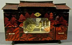 VINTAGE-JAPAN-JEWELRY-MUSIC-BOX-LARGE-ORIENTAL-MOVING-RICKSHAW-IN-GLASS-WORKS