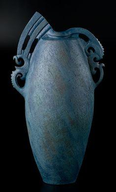 Ipu Manaia Parirau by Manos Nathan, Māori artist Ceramic Clay, Ceramic Vase, Ceramic Pottery, Polynesian Art, Coil Pots, Clay Birds, Maori Art, Modern Ceramics, Clay Creations