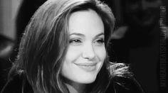 Esta es la noticia de la que deberíamos hablar todos: Angelina Jolie será profesora universitaria