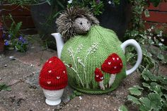 Hedgehog Tea Cosy and Egg Cosy by Leslie Mudd knitting pattern £2.00 on Ravelry at http://www.ravelry.com/patterns/library/hedgehog-tea-cosy-and-egg-cosy