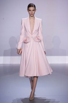 Pin for Later: Everything You Need to Know About Kate Middleton's Next Dress — Before She Wears It Ralph & Russo Haute Couture Spring 2014 Nobody does pretty in pink better than Kate — and she's certainly not afraid to take the plunge.