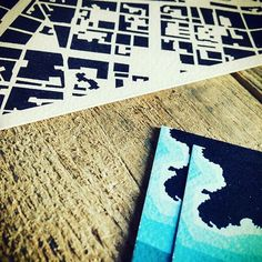 Allora ieri sera febbre a 38.5 oggi chiuso in casa e allora vi propongo un bella foto d'archivio di almeno 3 anni fa. Vi ricordo anche di fare un giretto su www.homelandmap.com . . . #mappa #mappe #mapdesign #decorocasa #homedecor #malato #febbre #influenza #lunedimattina #citymap #cartamartellata #carta #design #homedesign #graphicdesign #graph #print #poster Influenza, Bella, Graphic Design, Rugs, Poster, Instagram, Home Decor, Farmhouse Rugs, Interior Design