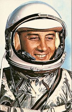 Virgil 'Gus' Grissom: Mercury 2 'Liberty Bell Gemini 3 with John Young, first EVA: Apollo 1 died with Roger Chaffee and Ed White inside the capsule during pad testing. Astronauts In Space, Nasa Astronauts, Gus Grissom, Project Mercury, Apollo Space Program, Space Race, Space Exploration, Outer Space, Historical Photos