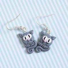 Ohrringe - Katzen grau Fimo Ohrringe - ein Designerstück von happymanu bei DaWanda