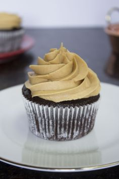 Fluffy, rich chocolate cupcakes with a creamy peanut butter frosting on top. Perfect for any occasion, and especially great for chocolate lovers!