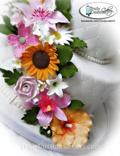 Stacey's Sweet Shop - Truly Custom Cakery, LLC: June 2011