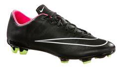 Ochsner Sport und Nike: Fußball-Schuh besticken lassen | Sports Insider Magazin