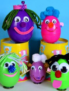 Egg Peeps, Easter Crafts For Kids. Great for leftover plastic eggs and all those miscellaneous/ random craft bits :) K Crafts, Preschool Crafts, Daycare Crafts, Easter Crafts For Kids, Toddler Crafts, Easter Ideas, Holiday Crafts For Kids, Holiday Fun, Hunting Crafts