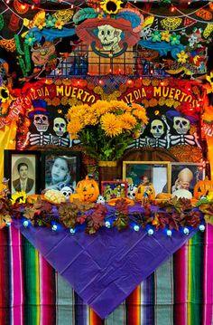 day of the dead altars Halloween 2018, Mexican Halloween, Mexican Party, Halloween Party, Halloween Tips, Day Of The Dead Diy, Day Of The Dead Party, Samhain, Mexican Folk Art