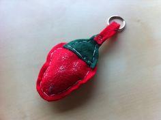 """Porta-chaves """"Morango"""" (coleção 2016)"""
