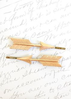 Arrow Bobby Pins Bohemian Hair Accessories - Reminded me of @Bobbie Mitchell Lynn clack :)