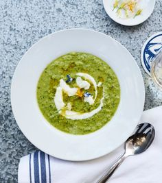 Summer Garden Cucumber and Chile Gazpacho Williams Sonoma, Cucumber Gazpacho, Chile, Edible Flowers, Open Kitchen, Summer Garden, Palak Paneer, Soup Recipes, Soups