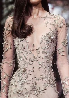 Details Once Upon a Dream Paolo Sebastian 2018 S/S Couture Couture Fashion, Runway Fashion, Fantasy Dress, Couture Dresses, Couture Clothes, Beautiful Gowns, Pretty Dresses, Dress To Impress, Designer Dresses