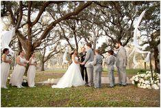 Rustic bohemian wedding in Angleton, Texas by Degrees North Images. #HoustonWeddingPhotographer #HoustonWedding