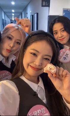 "☔ on Twitter: ""i love them sm :')… "" Yg Entertainment, South Korean Girls, Korean Girl Groups, My Girl, Cool Girl, Divas, Blackpink Poster, Blackpink And Bts, Black Pink Kpop"