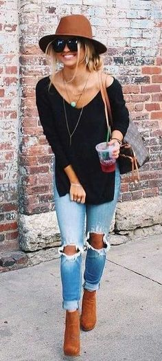 Latest Fashion Trends – This casual outfit is perfect for spring break or the Fall. 37 Insanely Cute Street Style Outfits To Wear Asap – Latest Fashion Trends – This casual outfit is perfect for spring break or the Fall. Fashion Mode, Look Fashion, Winter Fashion, Ladies Fashion, Fashion 2018, Feminine Fashion, Fashion Black, Fashion Dresses, Fashion Clothes