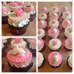 Doily cupcakes