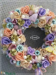 Vattacukor stílusú tavaszi ajtódísz kopogtató (fabkata) - Meska.hu Floral Wreath, Wreaths, Decor, Floral Crown, Decoration, Door Wreaths, Deco Mesh Wreaths, Decorating, Floral Arrangements