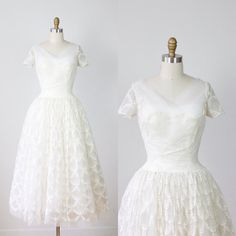 1950s White Lace Wedding Dress Tulle VIntage by salvagelife, $298.00 - ETSY : vintage wedding dress