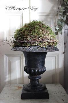 #vintagestyle #mossball #vase #twigs