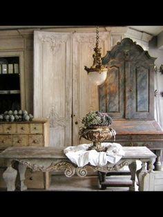 French farm table and hutch. Fab!!!