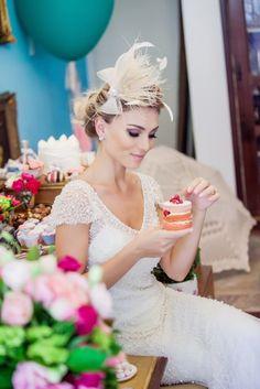 Acessório de cabeça moderno  Graciella Starling - http://www.vestidadenoiva.com/graciella-starling-douceur