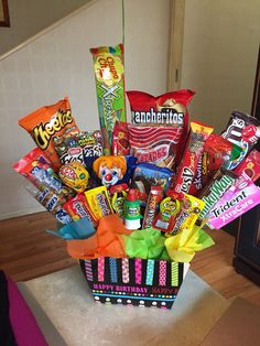Plan Your Food Plan In Real 'Melonish' Style - My Website Cute Birthday Gift, Birthday Candy, Diy Birthday, Candy Bouquet Diy, Food Bouquet, Candy Gift Baskets, Candy Gifts, Homemade Gift Boxes, Birthday Care Packages
