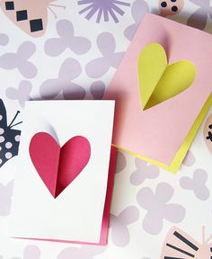Valentine's diy hearts over the years (Pinjacolada) Diy Arts And Crafts, Crafts For Kids, Diy Valentines Cards, Valentine's Day Diy, Art Techniques, Over The Years, Easy Diy, Card Making, Romantic