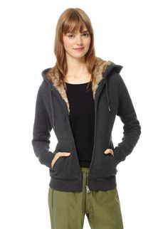 TNA PACIFIC HOODIE - Lined in ultrasoft faux fur, made with super-soft sueded fleece