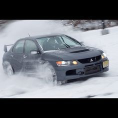 Snow Play: Evo
