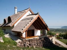 Balatonfüred - tervező: Mérmű Építész Stúdió Cob, Traditional House, Hungary, Cabins, Houses, Rustic, House Styles, Home Decor, Homes