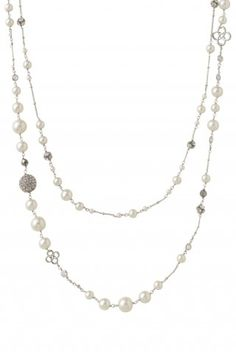 Stella & Dot Madeline Pearl Necklace | Another one for all the pearls girls out there.