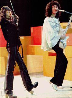 Queen Guitarist, Brian Rogers, Queen Pictures, Queen Freddie Mercury, Queen Band, Brian May, John Deacon, Killer Queen, Save The Queen