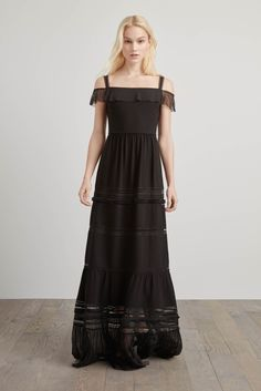 http://www.vogue.com/fashion-shows/pre-fall-2016/elie-tahari/slideshow/collection