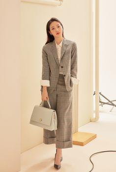 Office Outfits, Casual Outfits, Fashion Outfits, Kim Go Eun Style, My Style, Korean Women, Korean Girl, Japanese Fashion, Korean Fashion