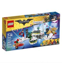 Lego 70919 - The Justice League Anniversary Party. Recreate the hilarious scene from THE LEGO BATMAN MOVIE where the Justice League throw a big party but dont invite Batman! This LEGO Batman toy is suitable for ages Buy Lego, Lego Dc, Lego Marvel, Lego Star, Batman Film, Lego Batman Movie, Superman Party, Batman Vs, Spiderman